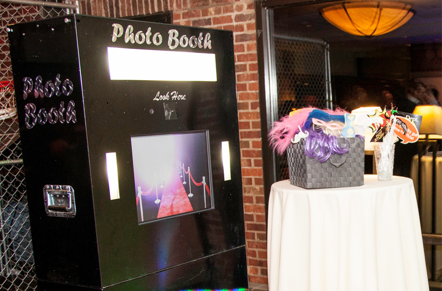 64 - Picture Us Perfect Photo Booth